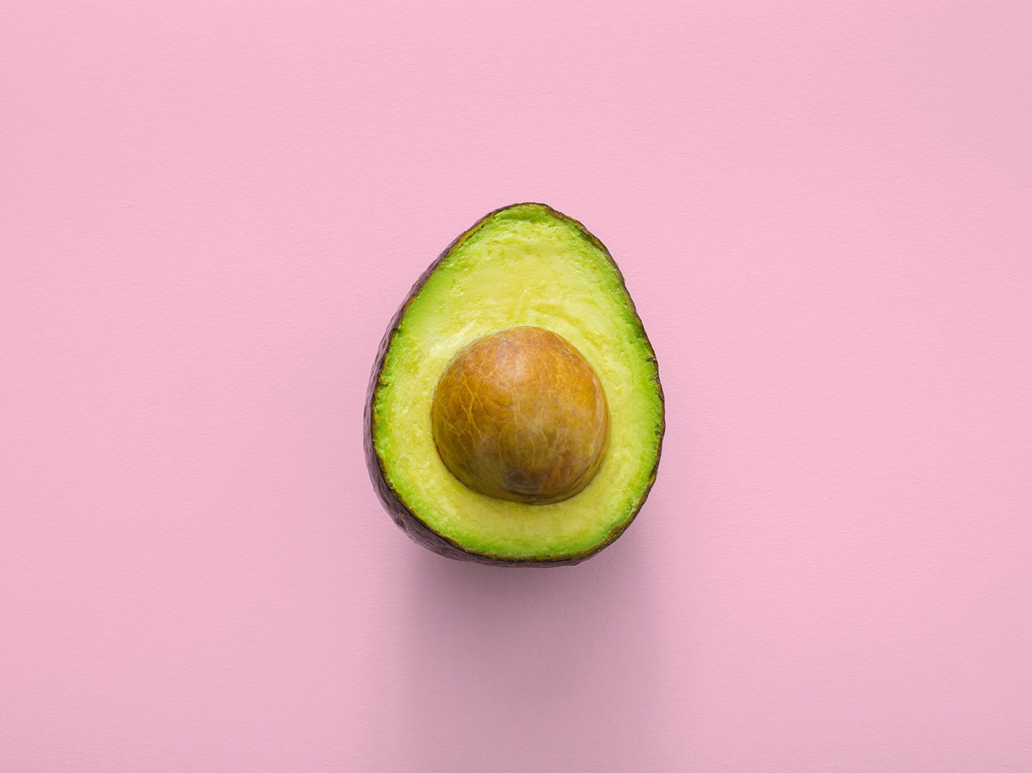 avocado nutrition on pink